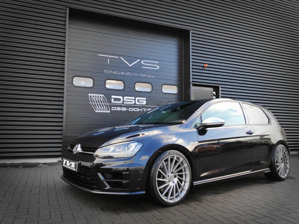 Volkswagen Golf 7R 2.0 TSI (2015) img 0