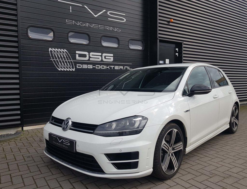 Volkswagen Golf 7R 2.0 TSI (2016) img 0